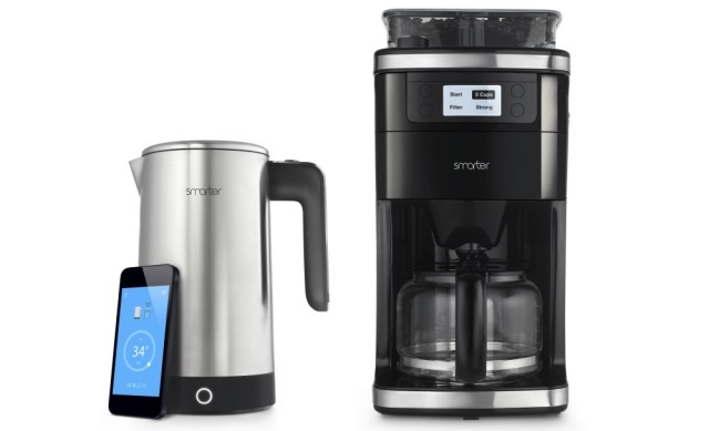 noch im bett die kaffeemaschine einschalten captain gadget. Black Bedroom Furniture Sets. Home Design Ideas