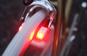 Fahrradlicht auf den Bremsklötzen