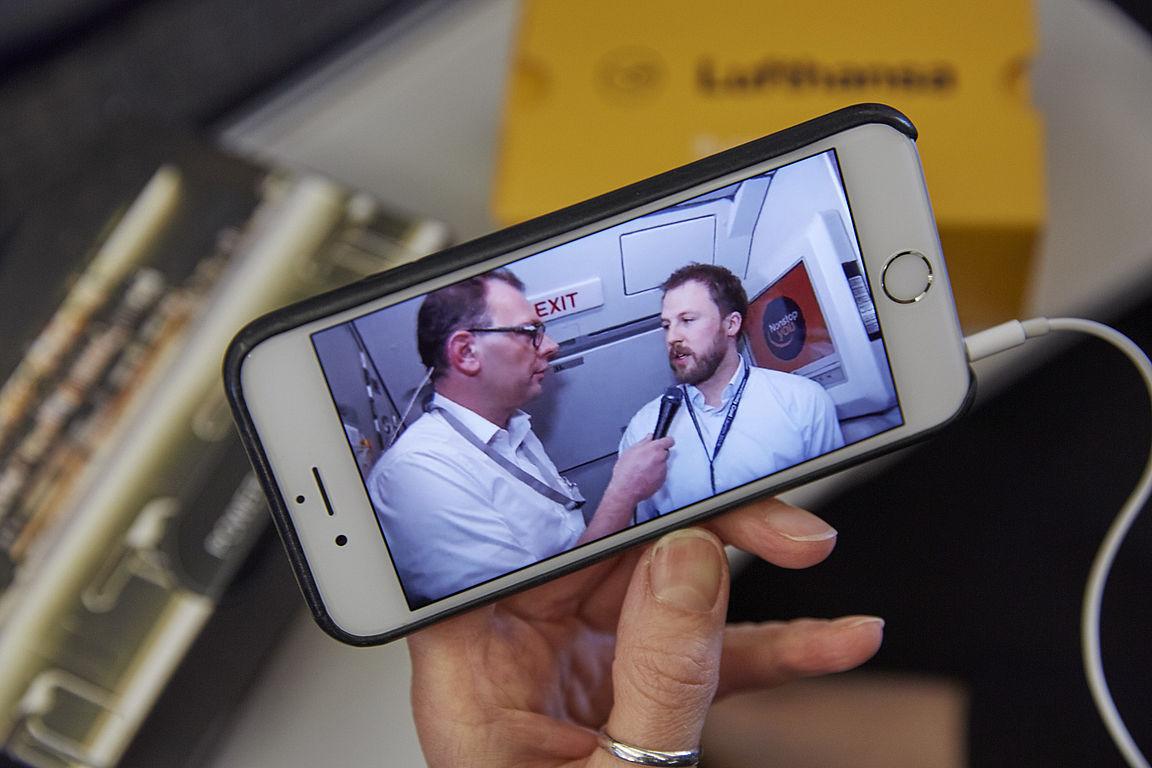 Videointerview an Bord eines Lufthansa A319