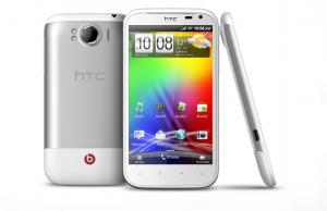 Das Sensation XL von HTC gibt es auch mit Android 4.0.3