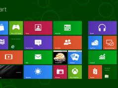 """Windows 8 Startbildschirm mit bunten """"Kacheln"""" von Windows 8"""